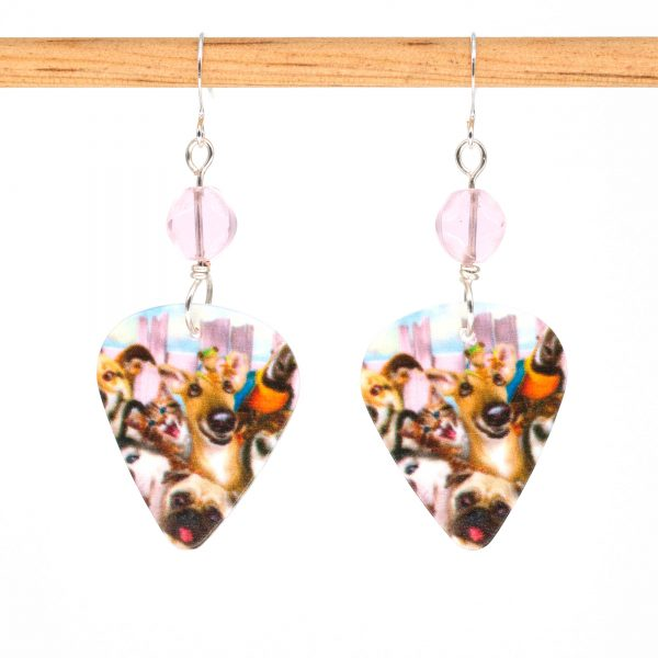 E1000 - Photobomb Doggo Earrings