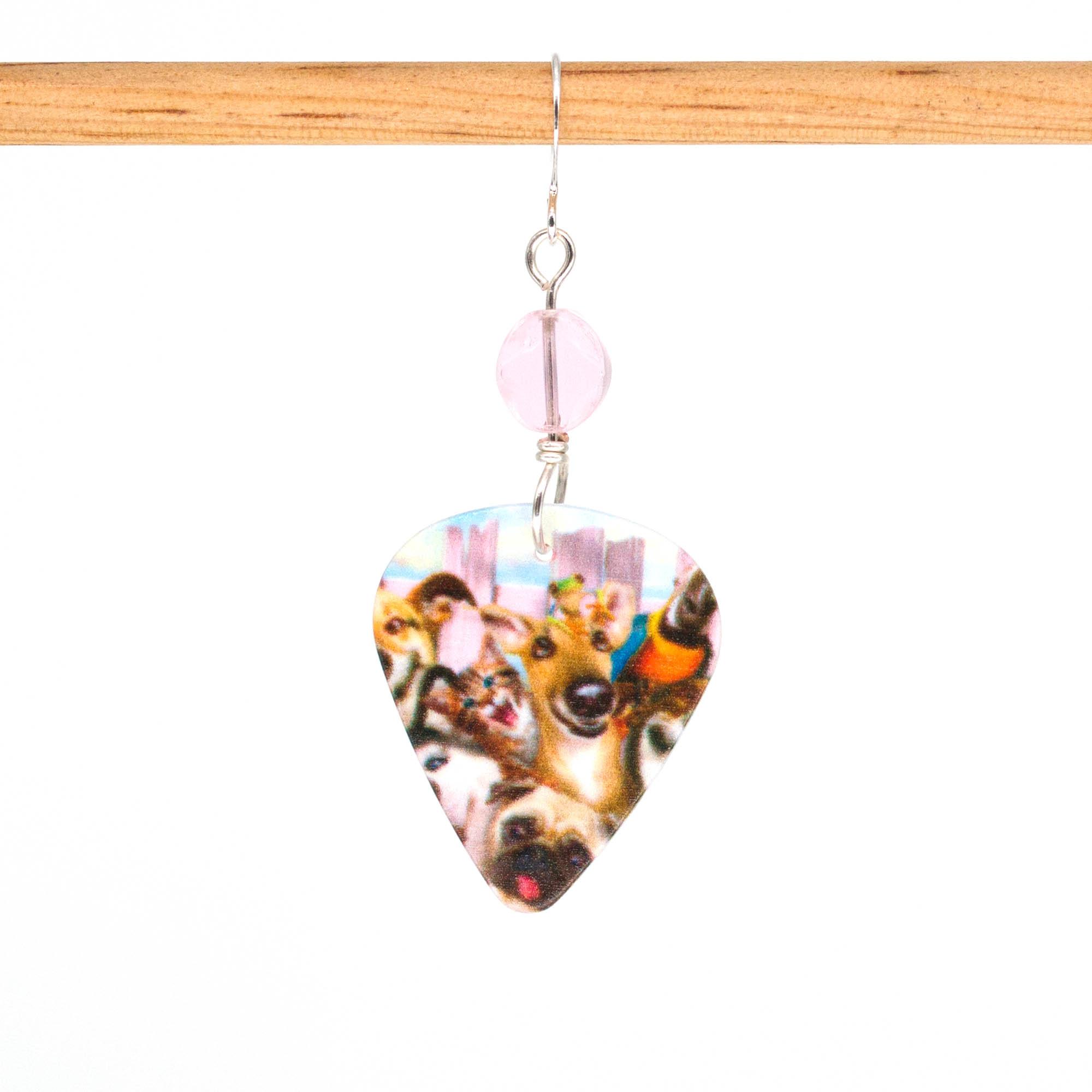E1000D - Photobomb Doggo Earrings
