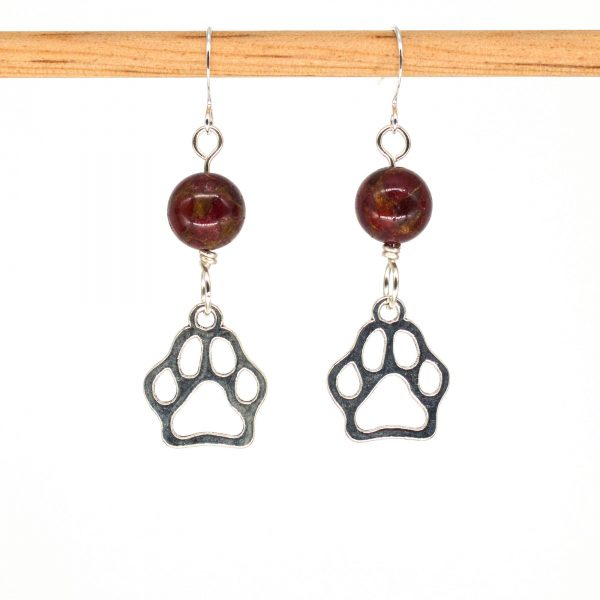 E1028 - Cranberry Doggo Paws Earrings