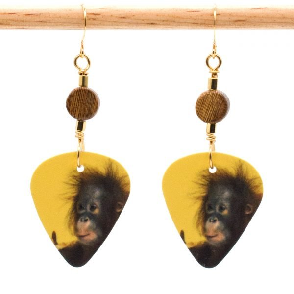 E944 - Pucker Up Earrings