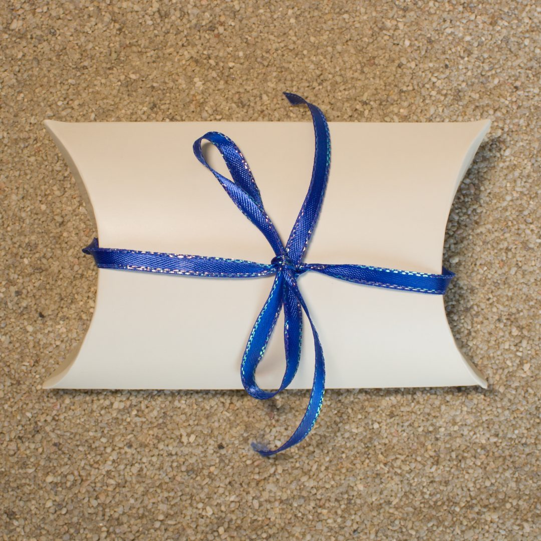 Gift Wrapping - White Modern Box with Ribbon