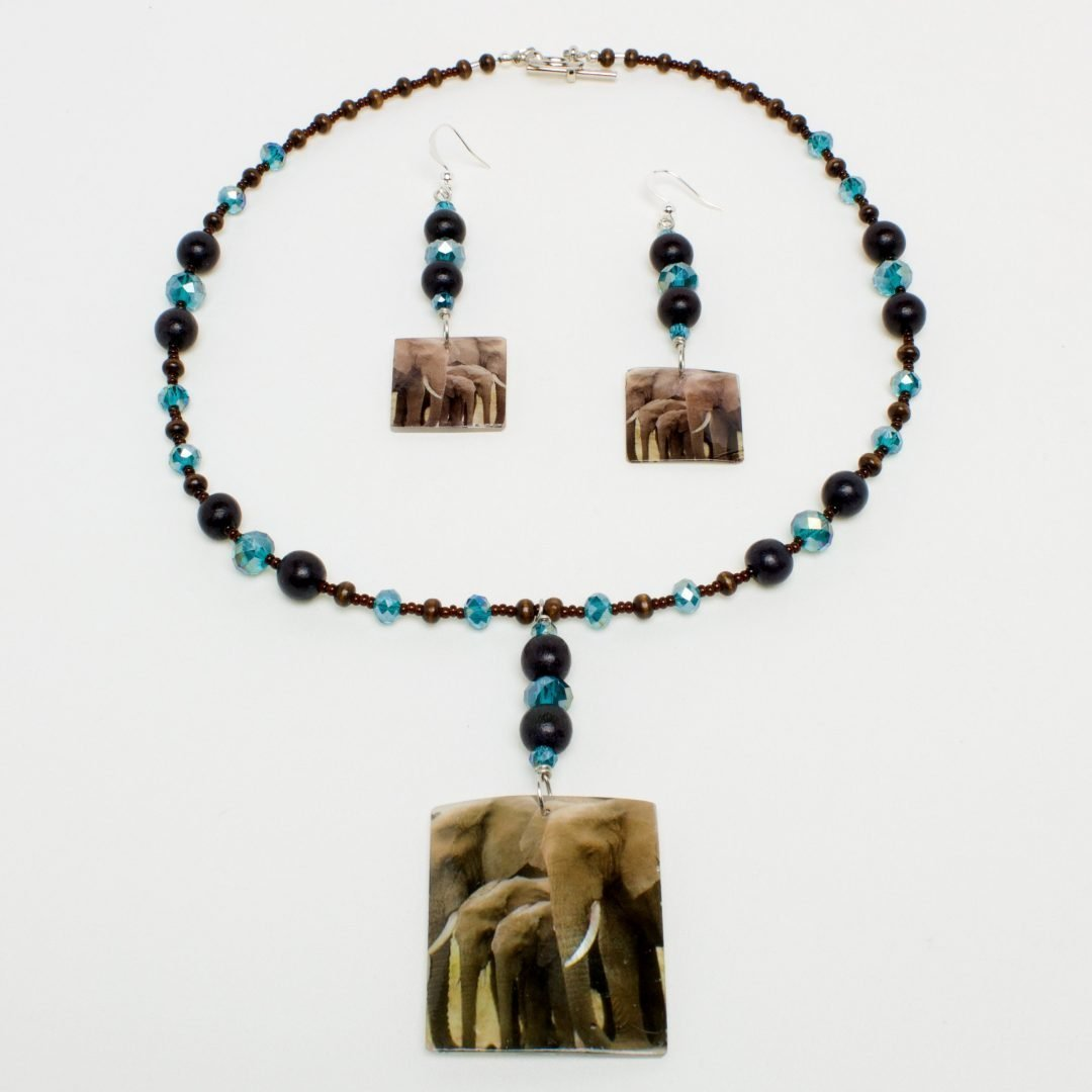 Wood & Sky Ellie Necklace and Earring Set