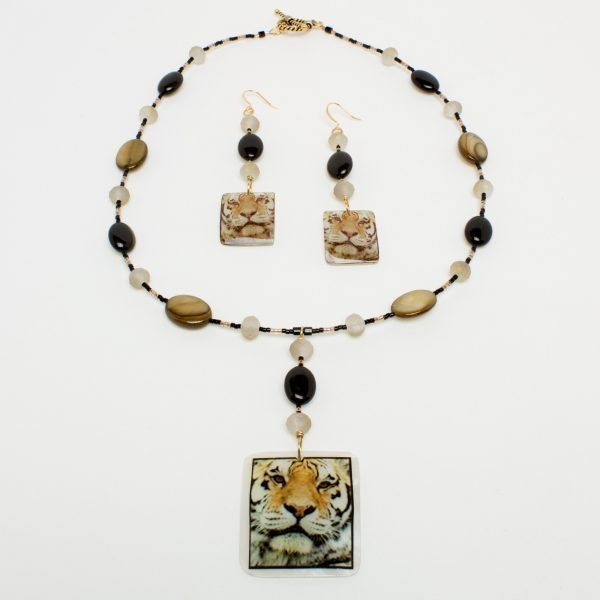 NE803-1a - Sandy Claws Necklace and Earring Set
